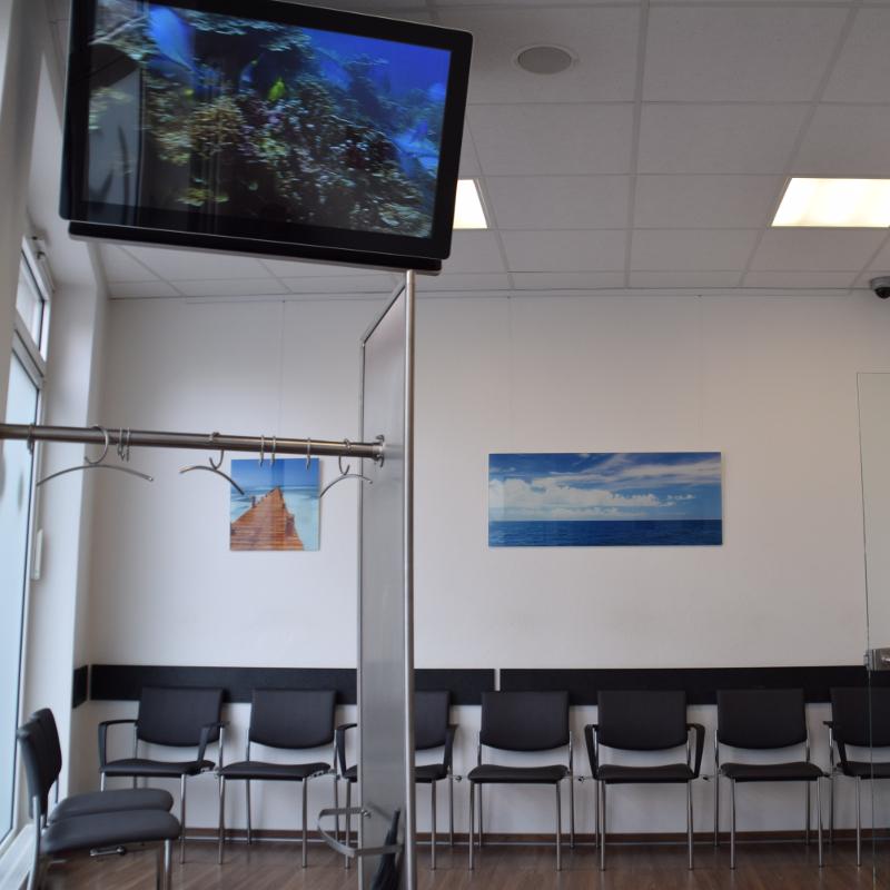 Wartezimmer – Zahnarztpraxis Fulda